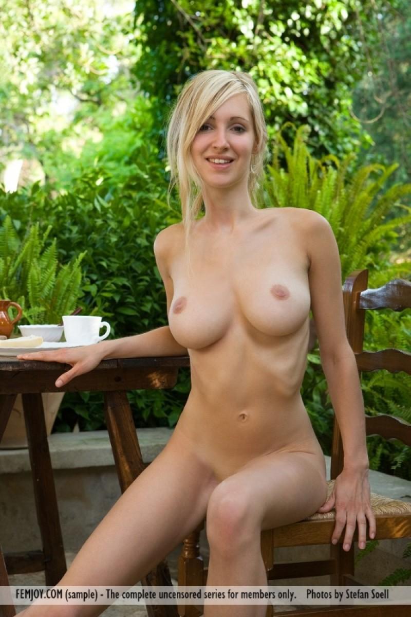 Naked girl penis garden pity