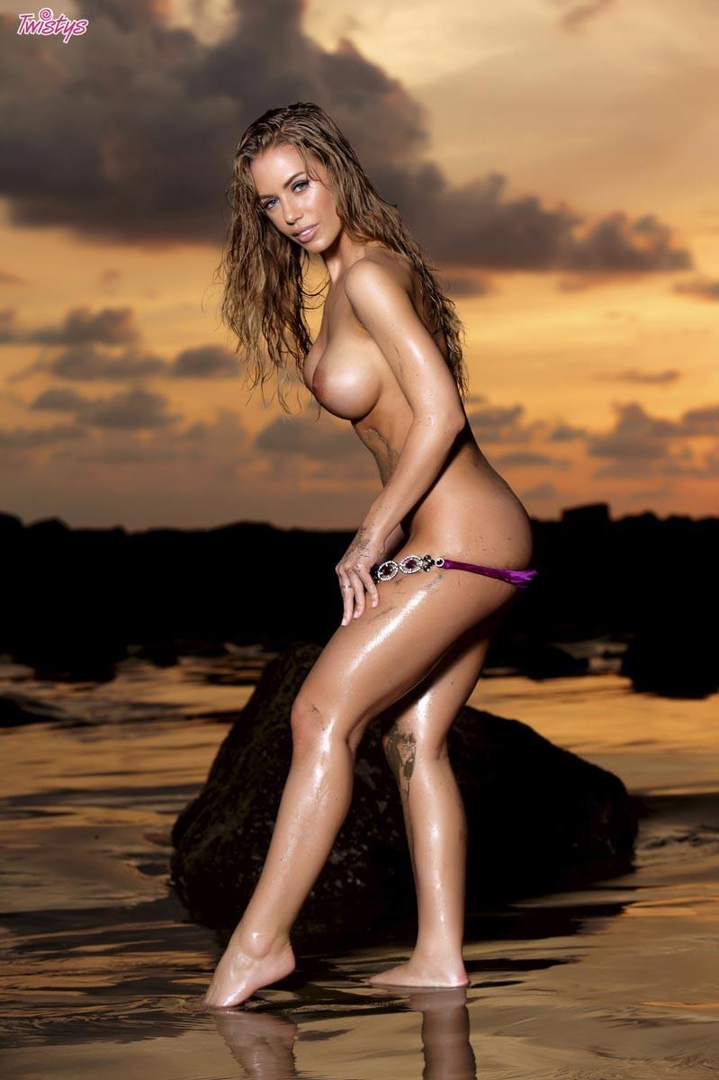 Chubby women nude pics
