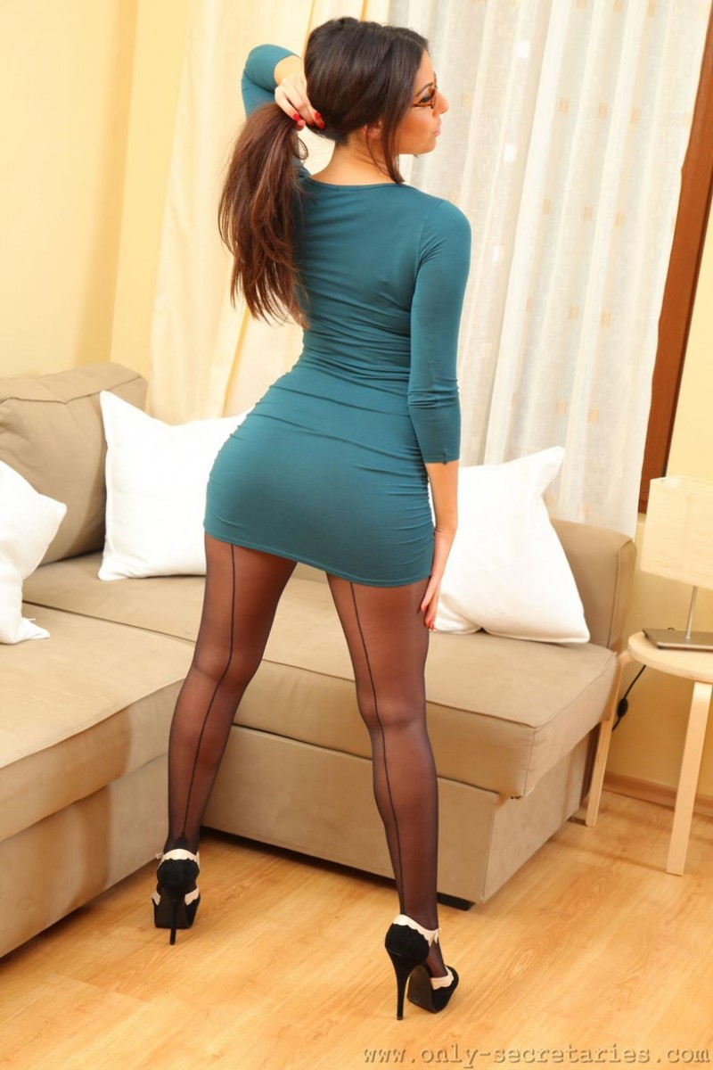 Dresses and pantyhose pics