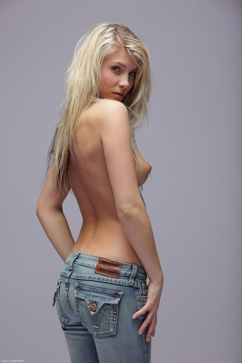 Sexy girls in jeans pictures