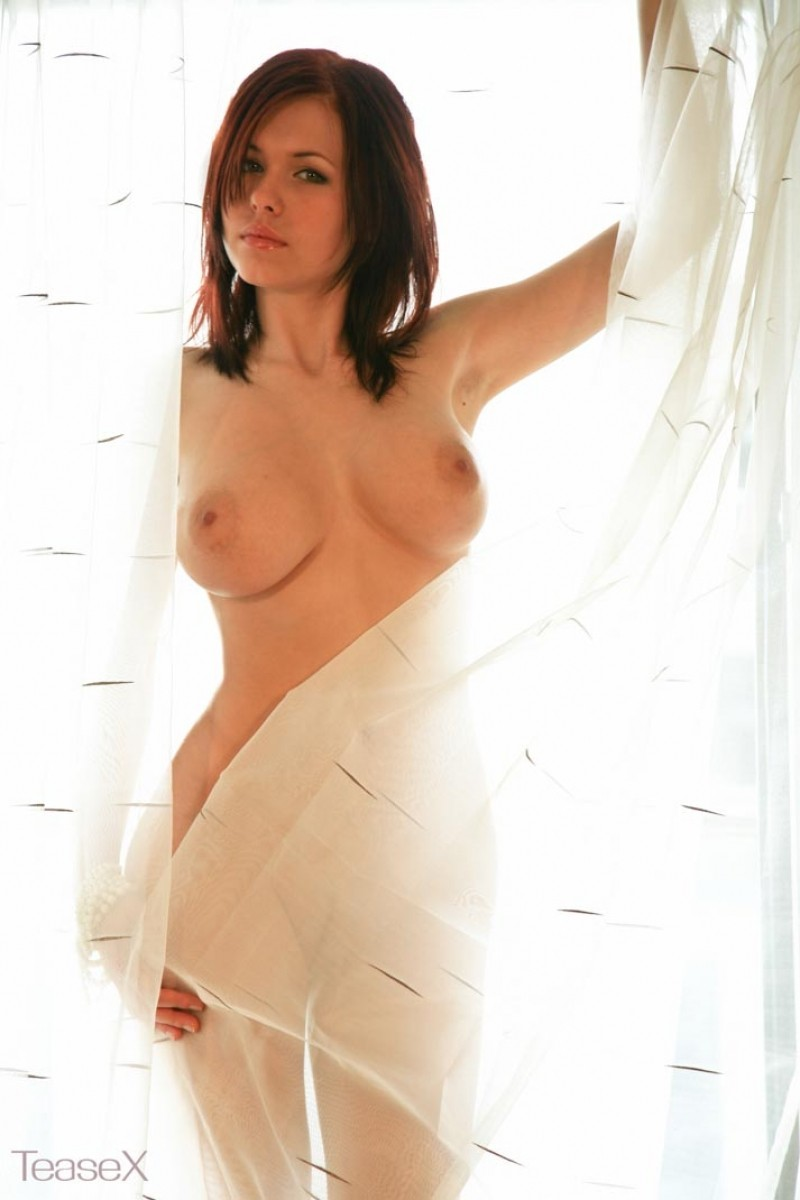 Eva Pope Nude Pics