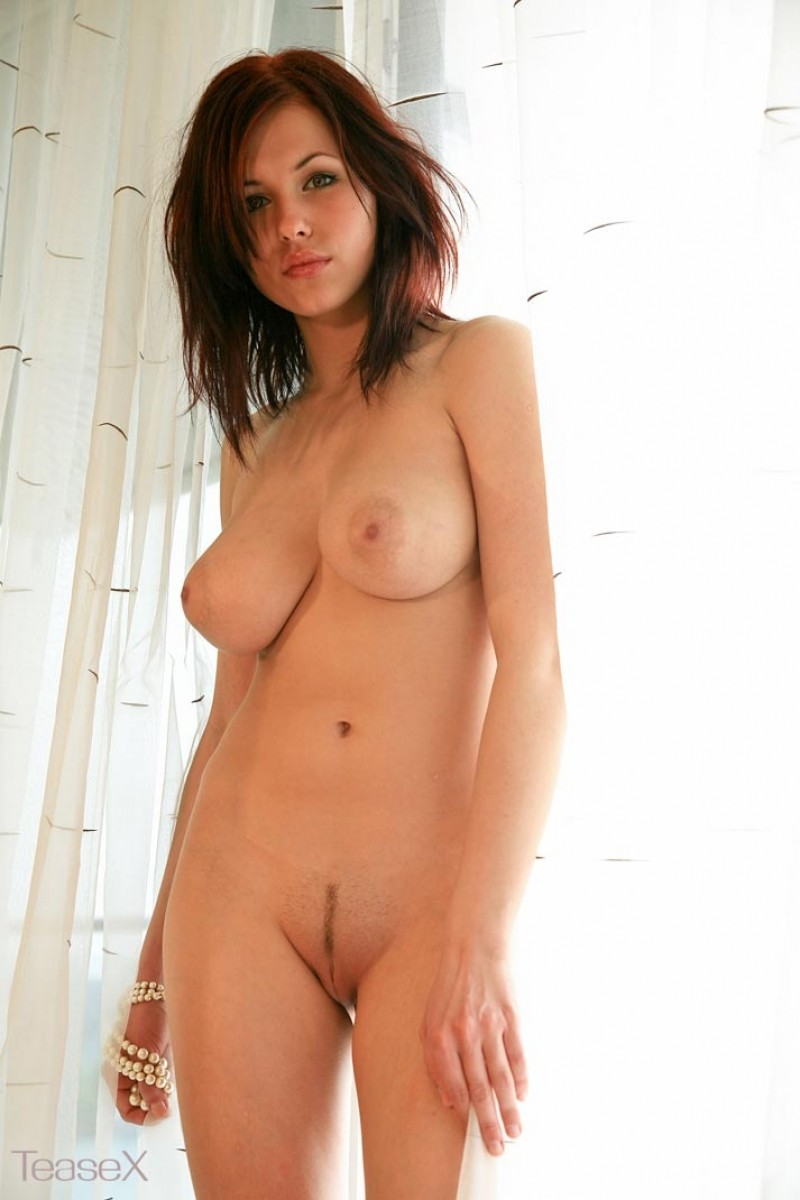 china nude girls alone