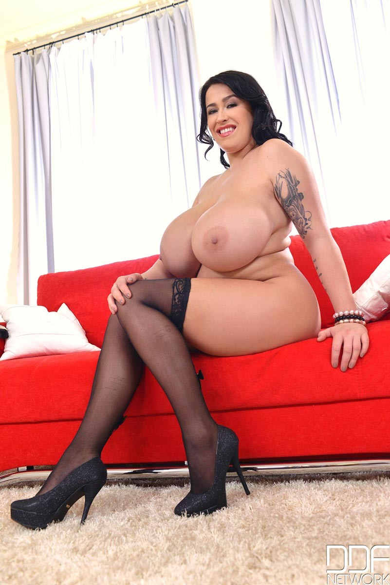 Gianna michaels fucks on the first date 2500 vids loaded m27 - 3 8
