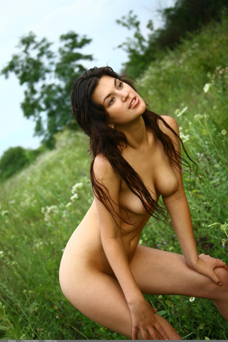 Erotic Beauties Nude Women in Photos and Videos