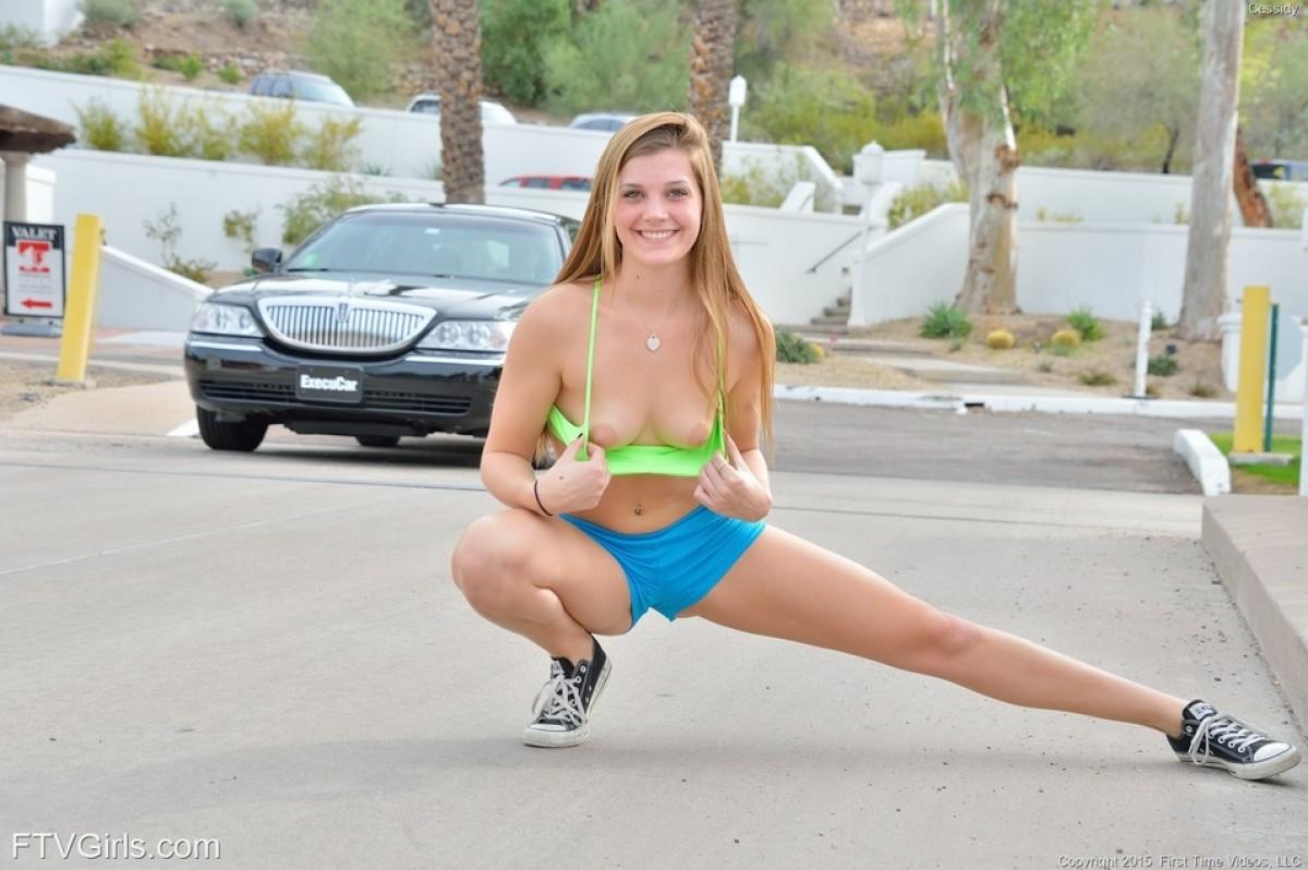 redhead jogger stripping