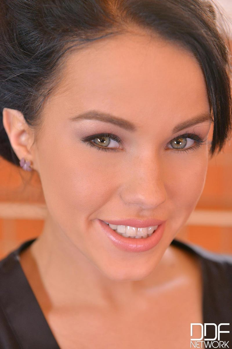 Free intimate lesbian seduction videos