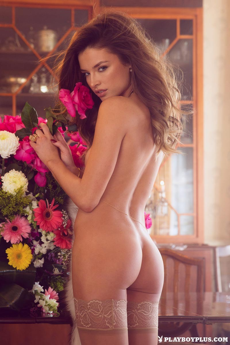 Hot pictures Naked girl without face