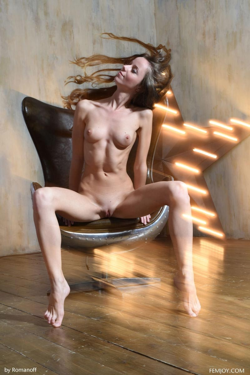 Apologise, Nude on a lounge chair phrase