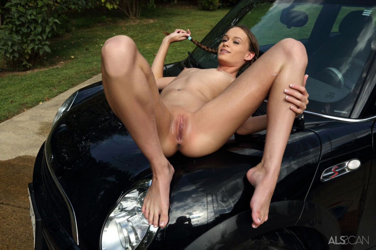 free nude car girls