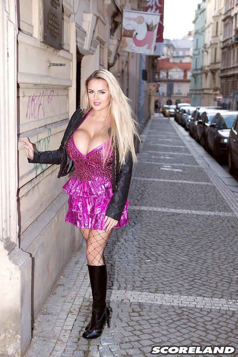 Curvy sexy women pics-4575