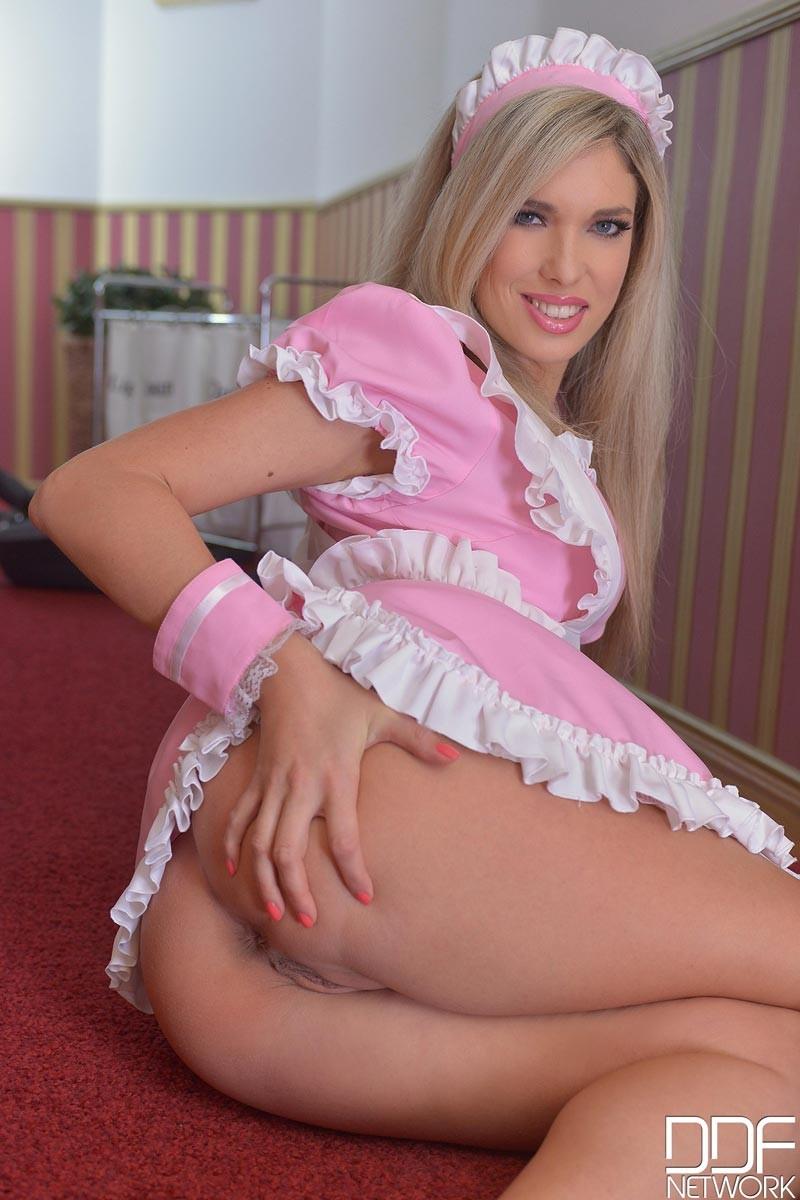 Eva Parcker Dressed As A Maid-9173