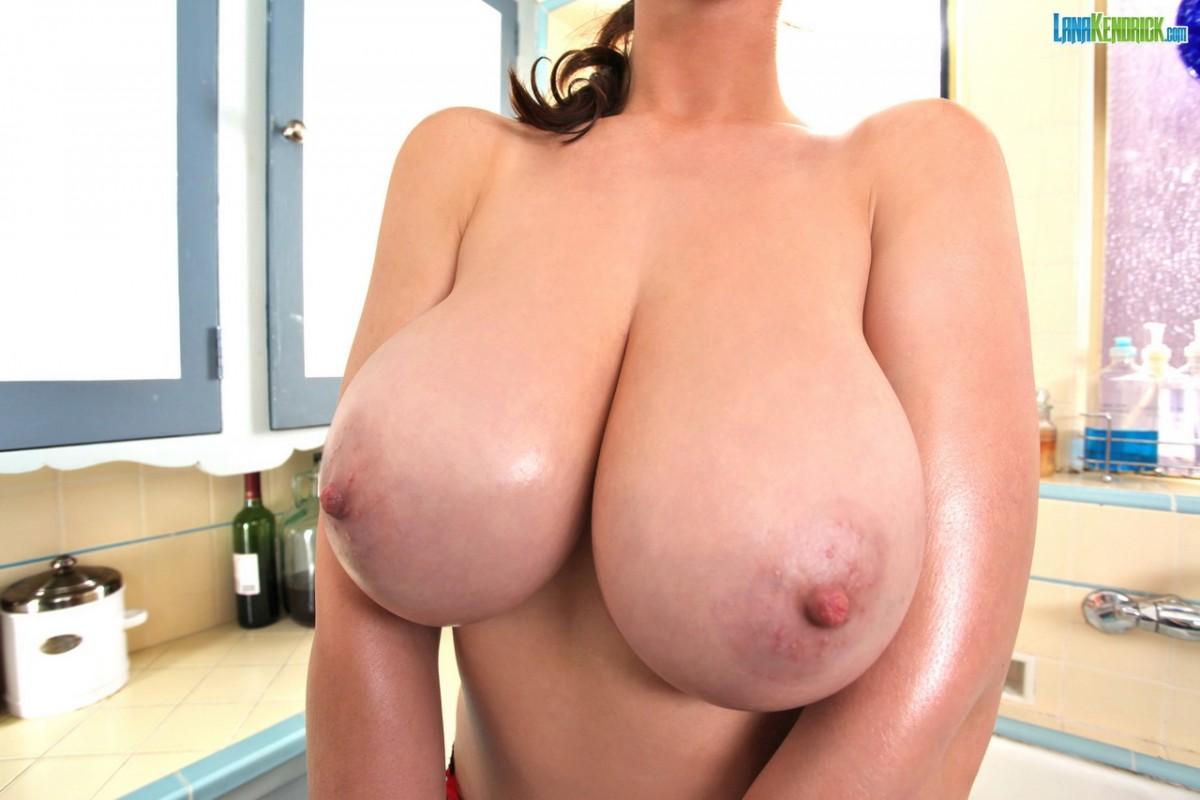 Hot mature women in lingerie