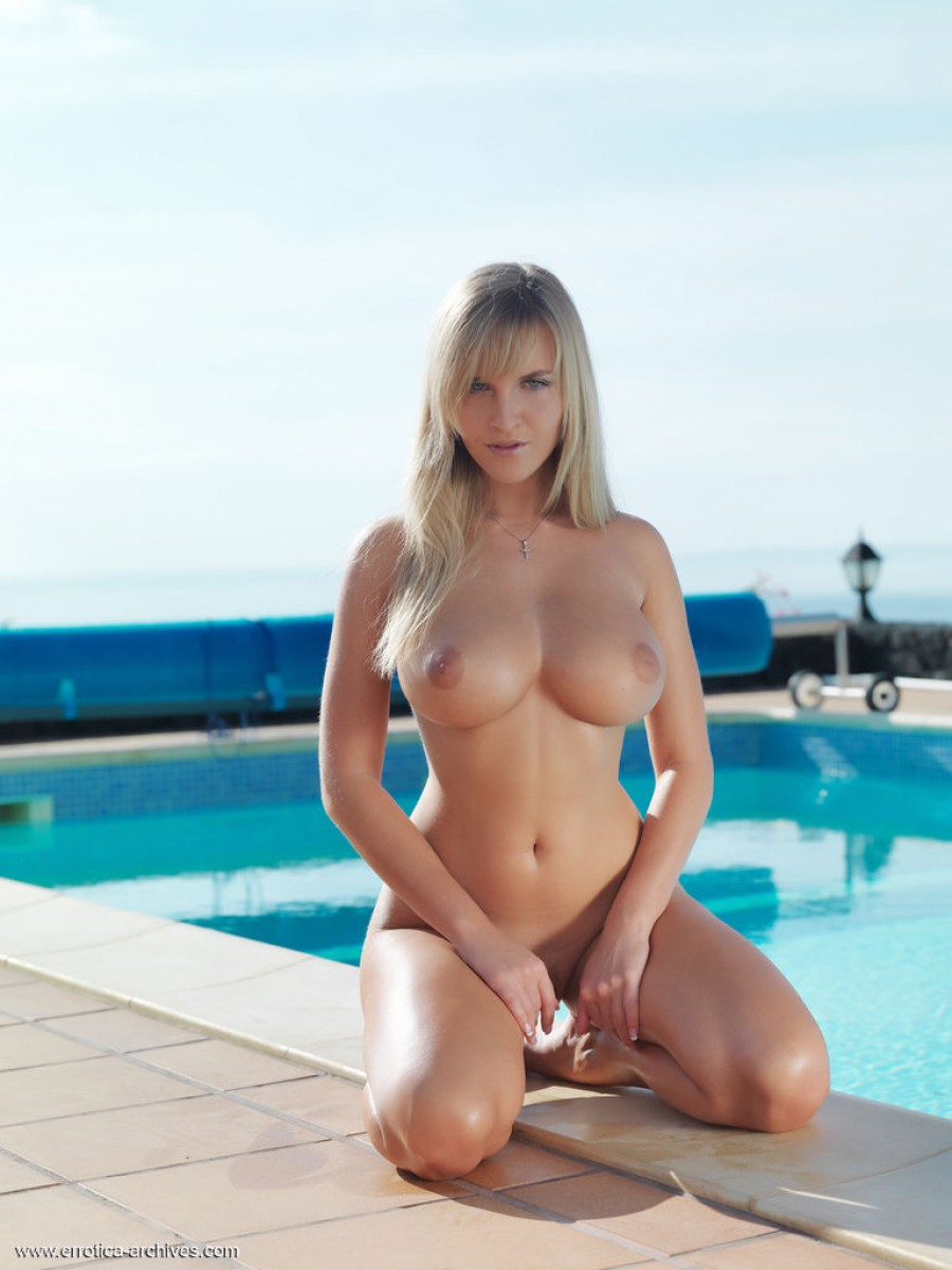 Most sexy naked girls