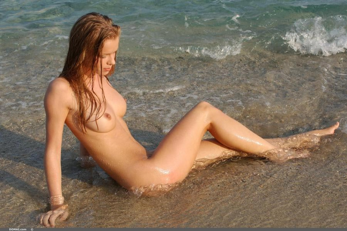 Naked Outdoor Nudes | Hot Girl HD Wallpaper
