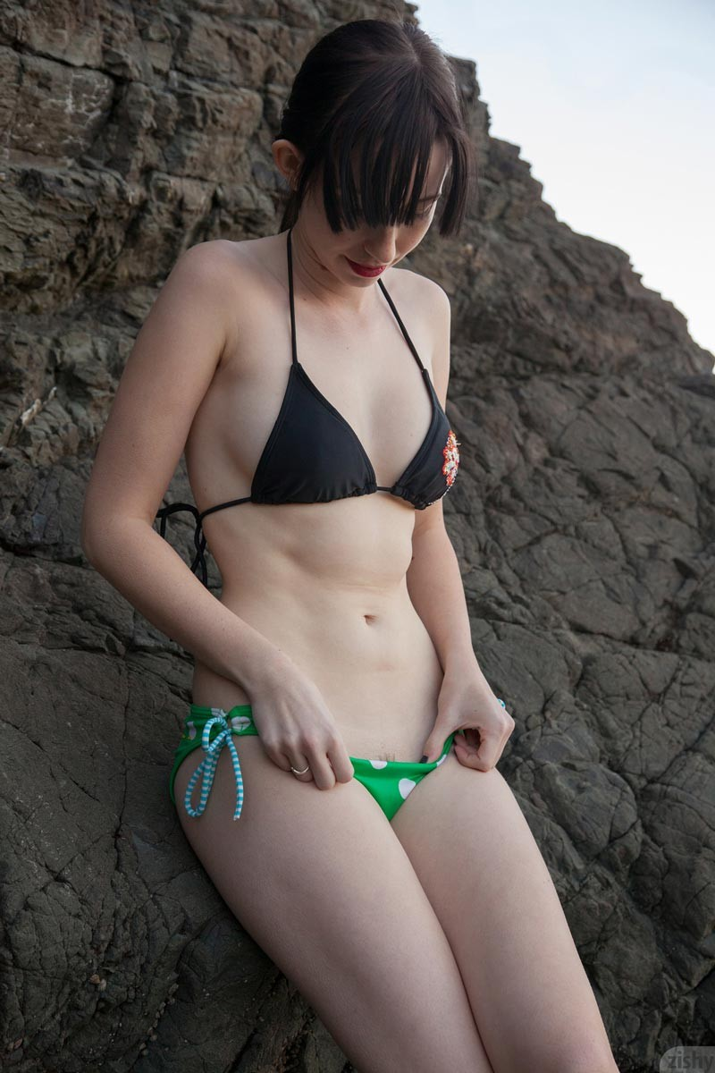 Kristin kreuk sexy