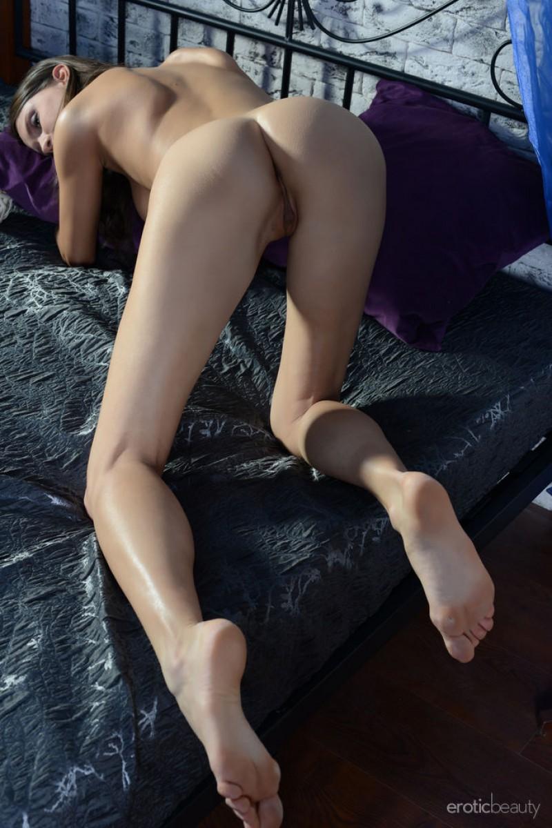 alicia mone naked in the bedroom