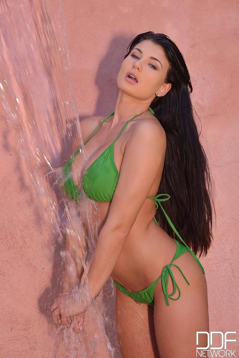 La porn star latina de 58 explica como empezo hacer videos - 3 part 1