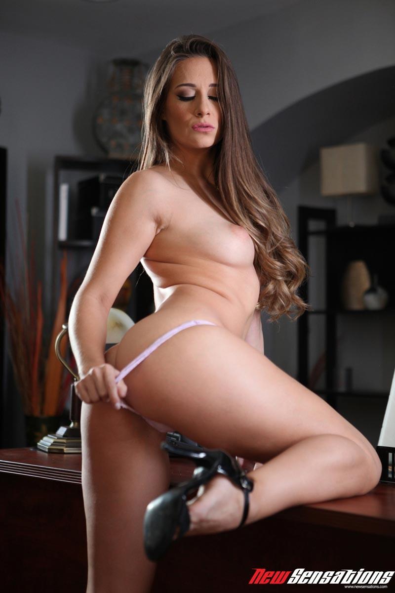 porn pics brunette Sexy