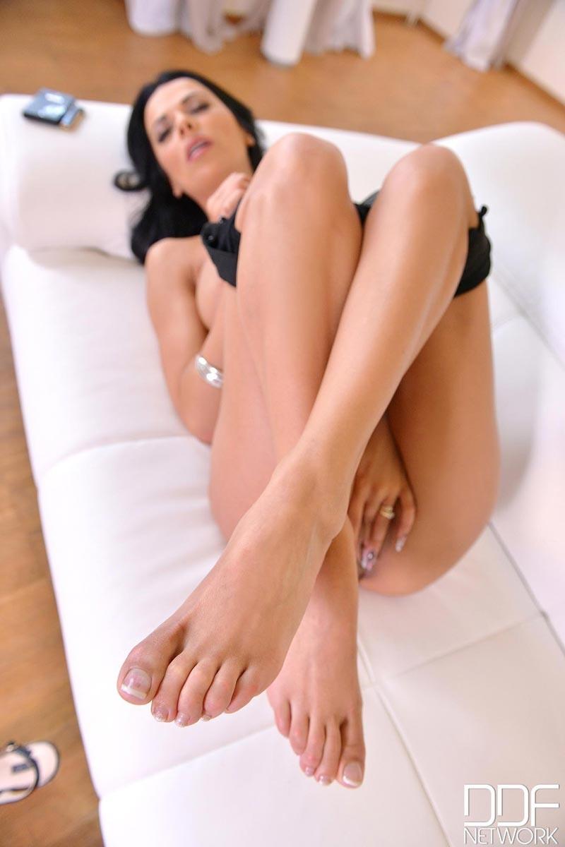 Shalina Devine Sexy Legs Tease-2640