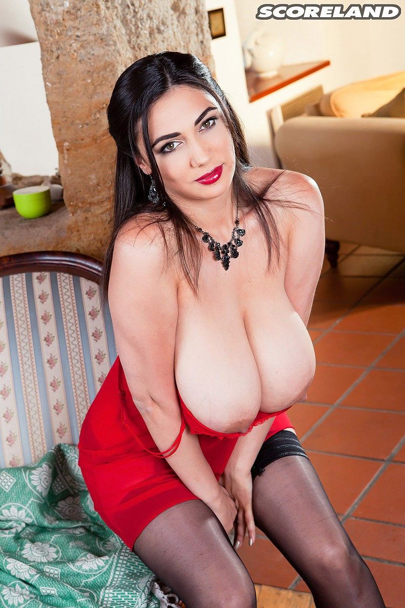 Busty Romanian Beauty With Huge Natural Melons