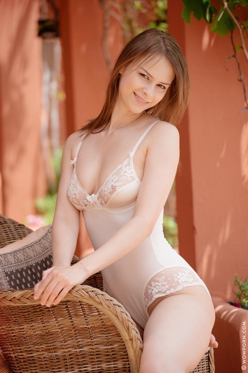 Brunette big tits dildo stripper wants an 6