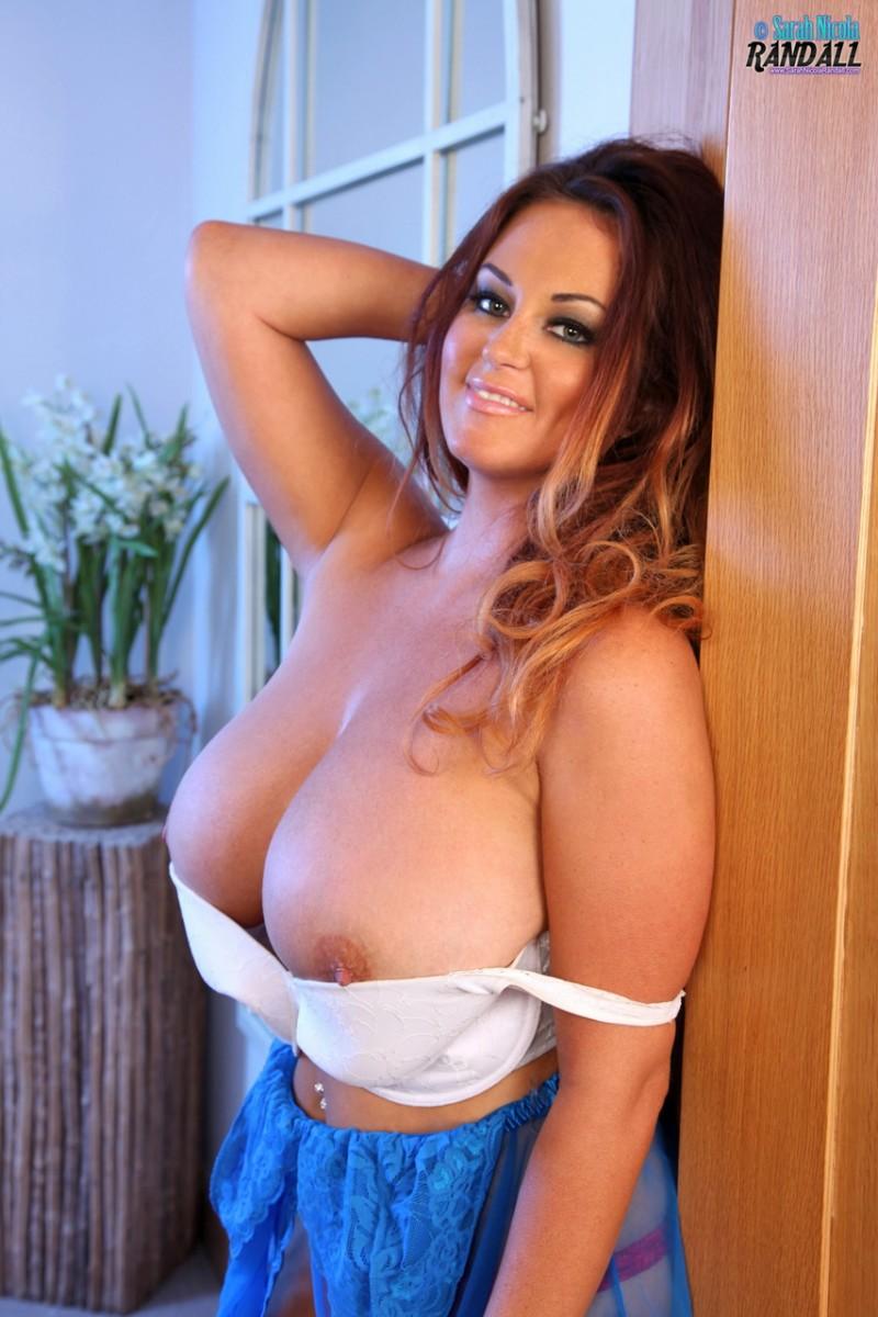 Sarah Randal Big Tits In A White Bra-9104