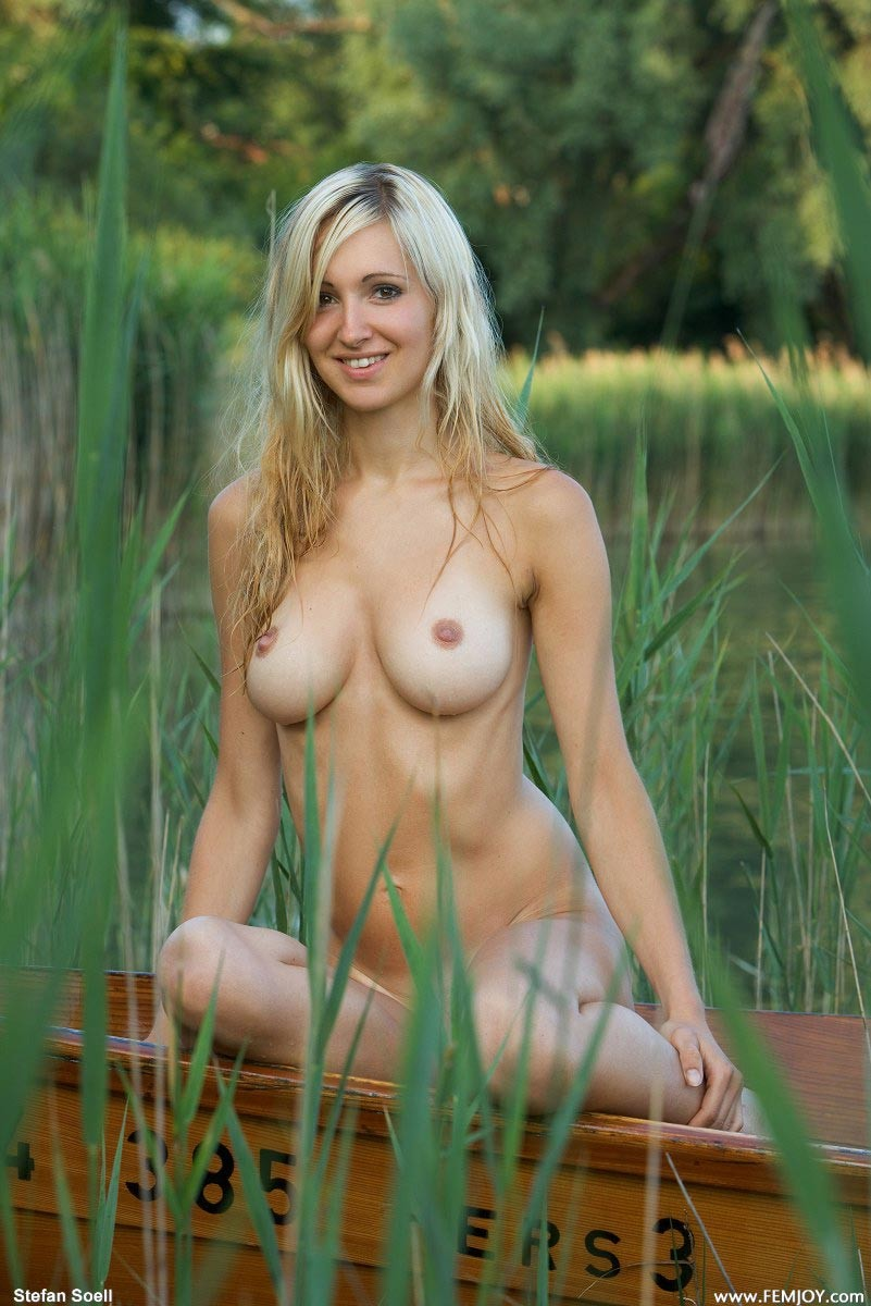 August Th In Big Tits Blonde Outdoor Model Femjoy