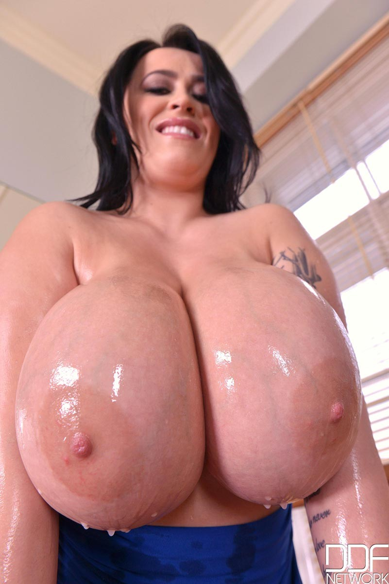 thick oily naked girls