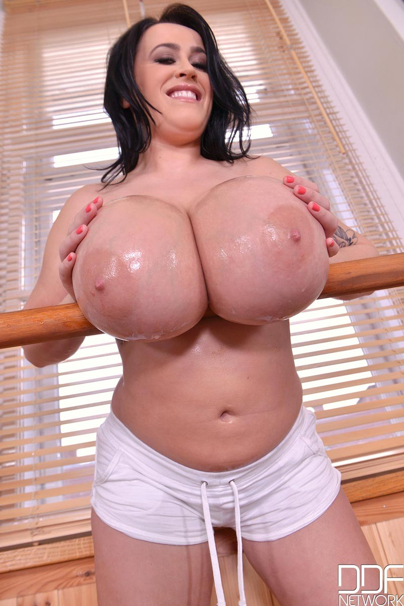 Leanne Crow Plays With Her Big Oiled Boobs-4428