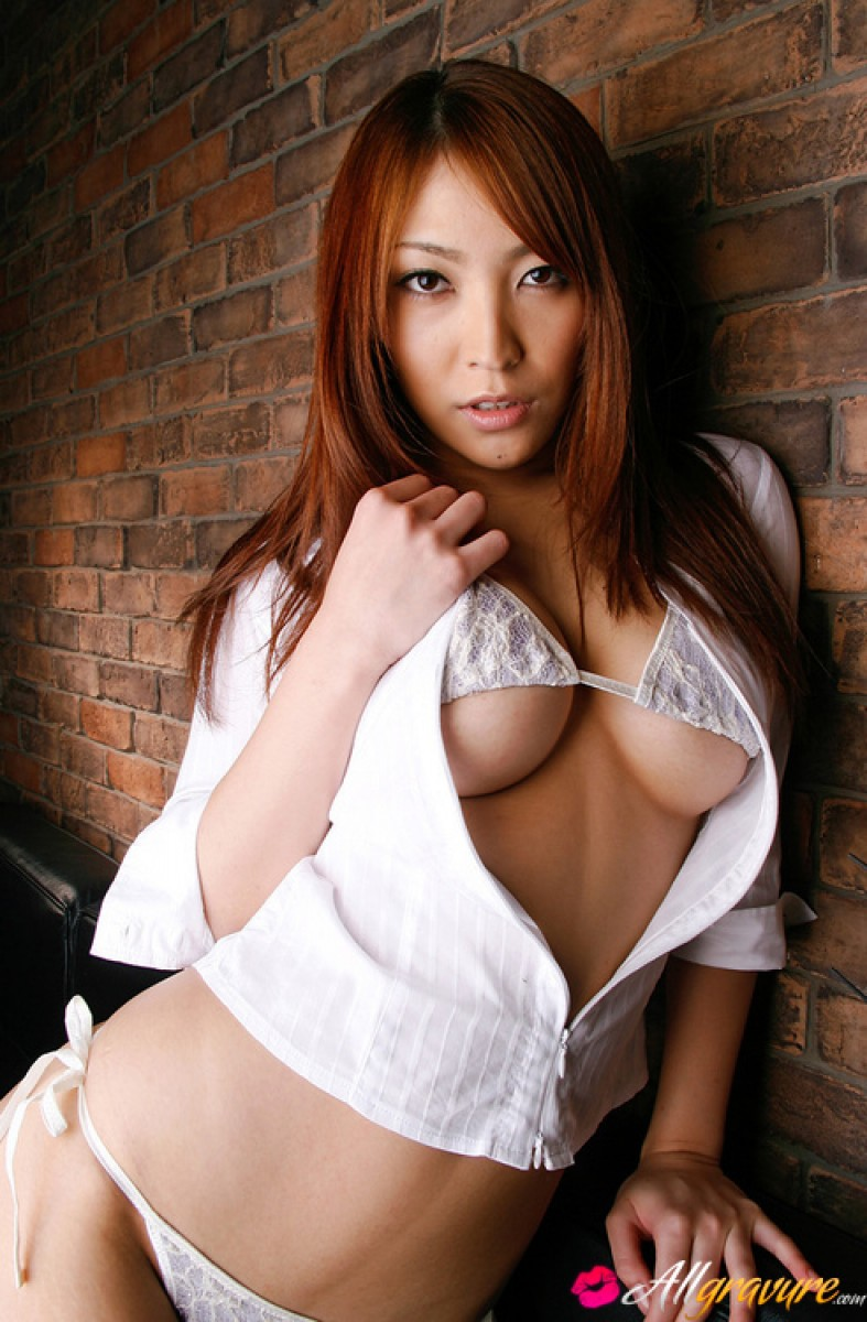Get More Of This Asian Hotie At All Gravure