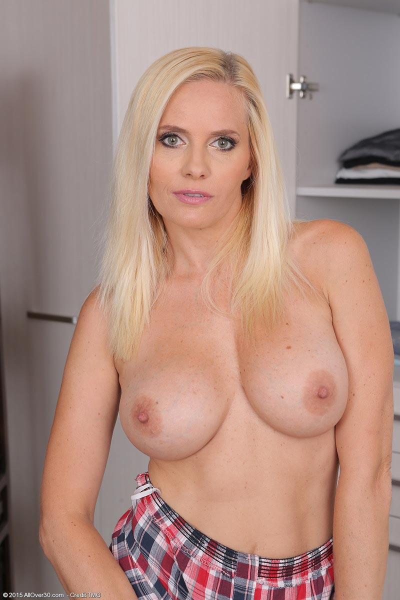 Busty Athletic Blonde Milf Exposed-9852