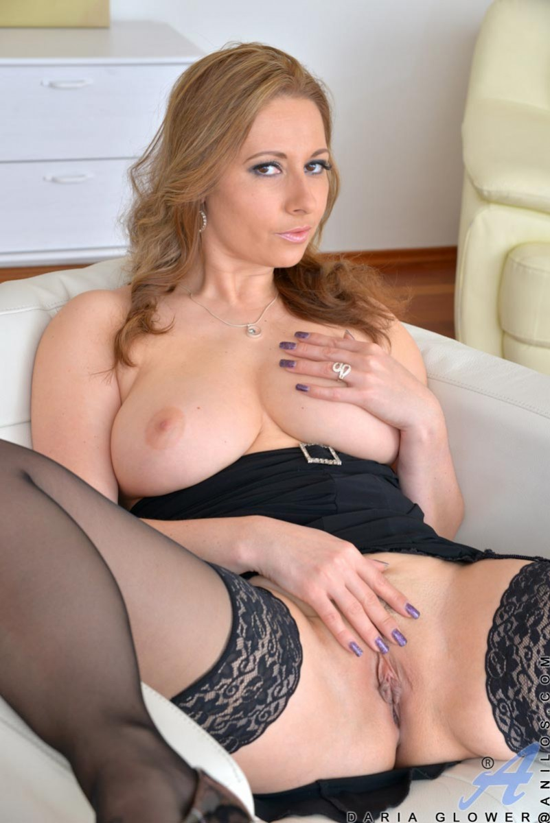 Busty Daria Glower in Stockings