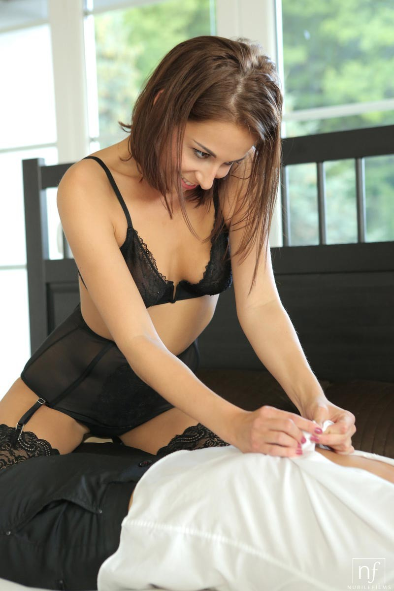 Massage for women is erotic beautiful and safe for couples 7
