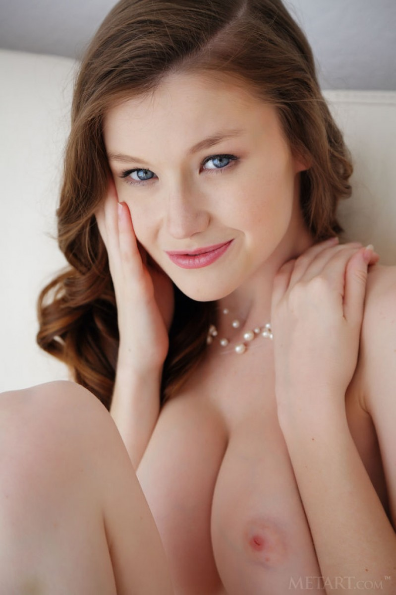 Emily Bloom Perfect Pussy on Display