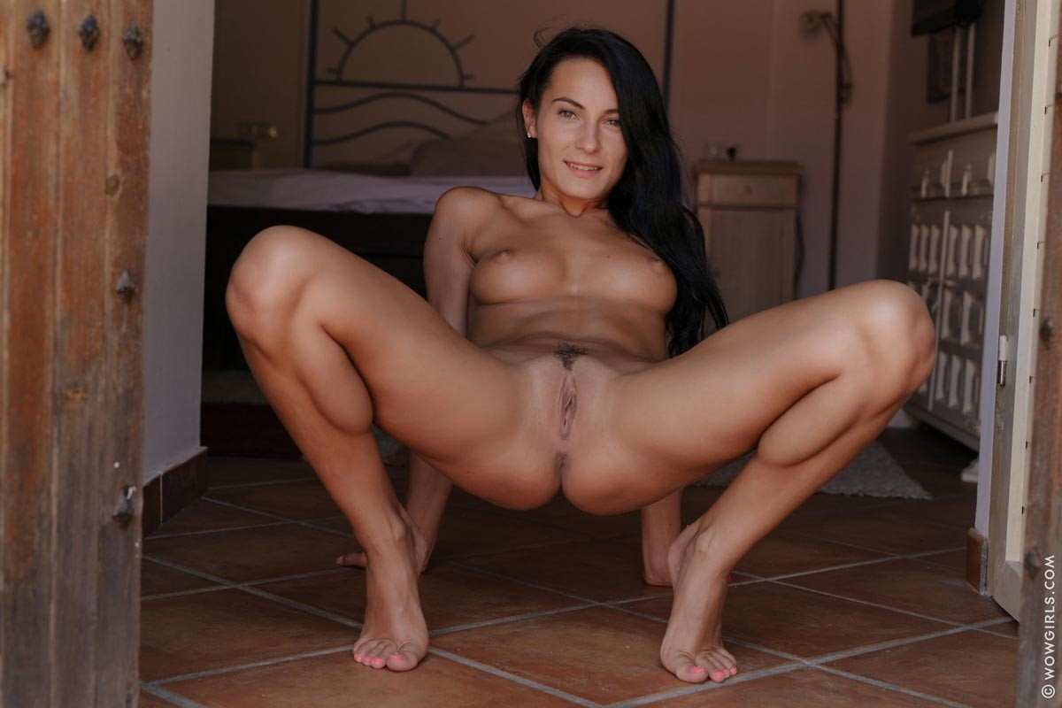 latina girls nude