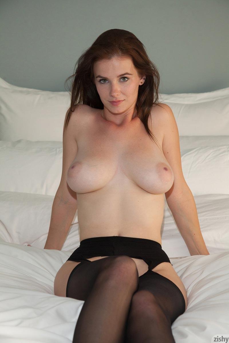 essie naked