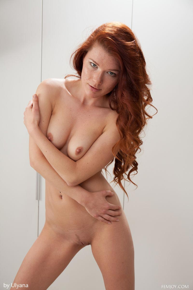 sexy freckled nude women