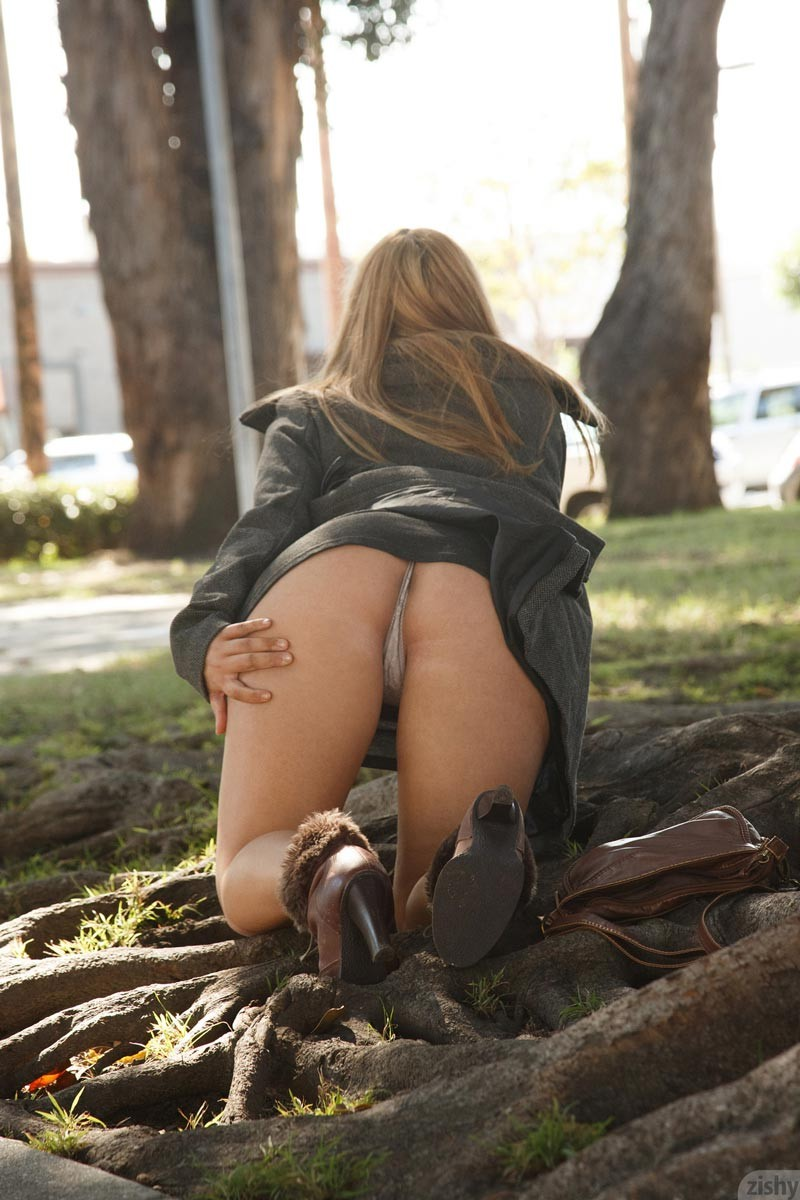 Celina jaitly nude hot pic