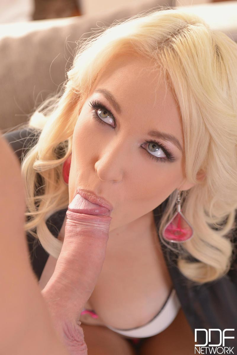 Hot blonde of a latino fucked - 1 part 6