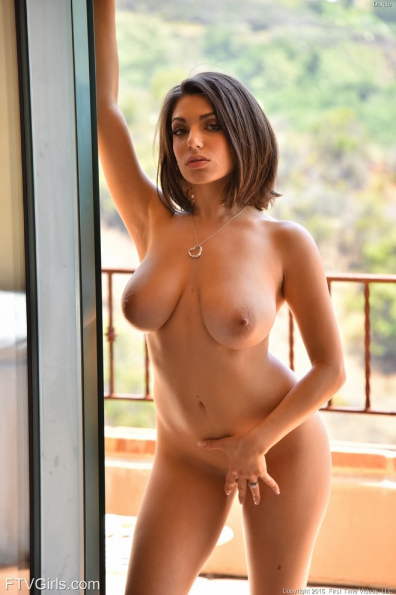 Darcie Dolce Shows Hot Curves-8220