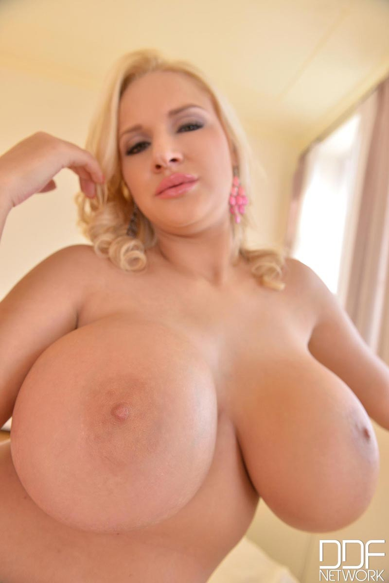 Huge european tits-9202