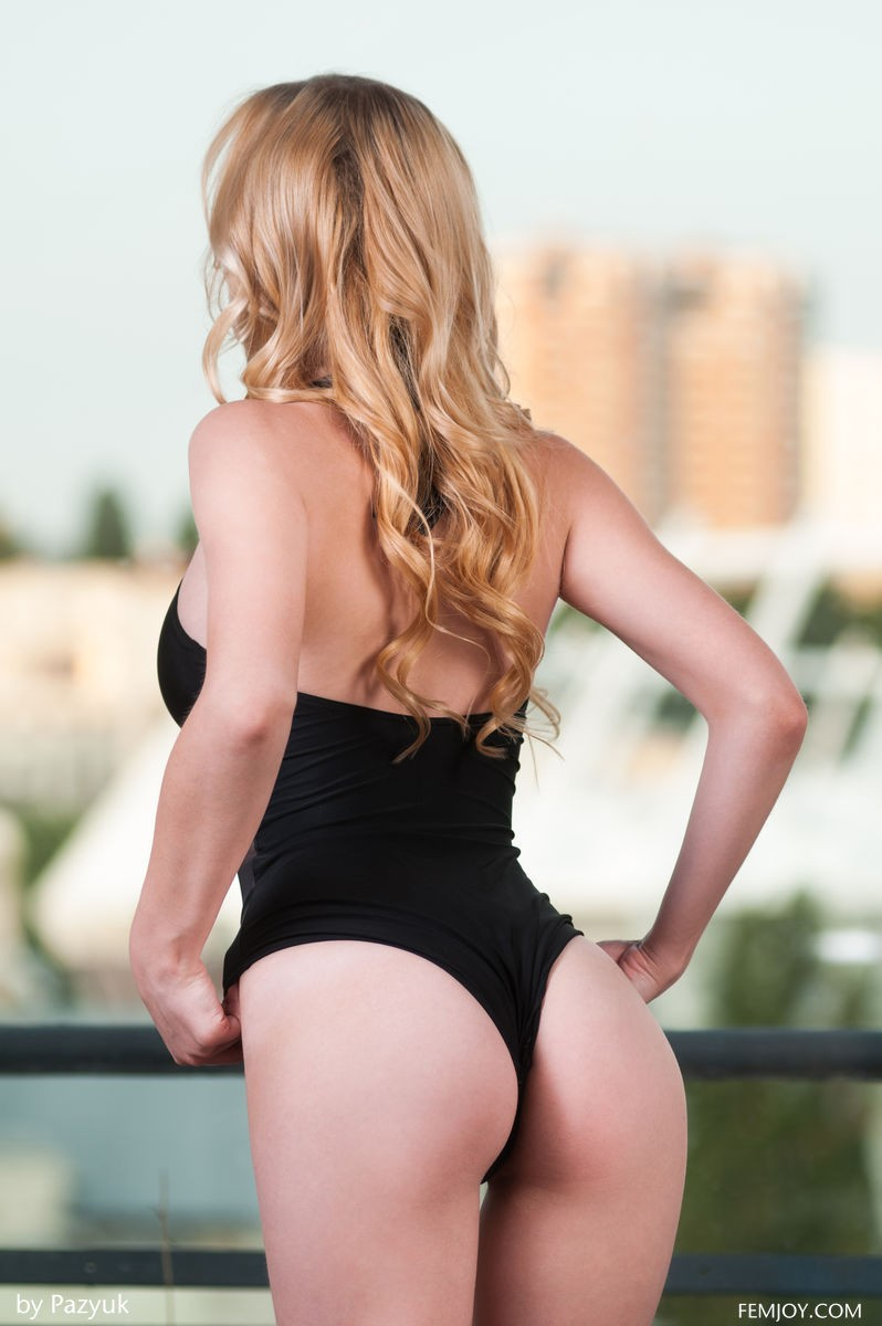 Busty Toned Blonde In A Black Onepiece-2513