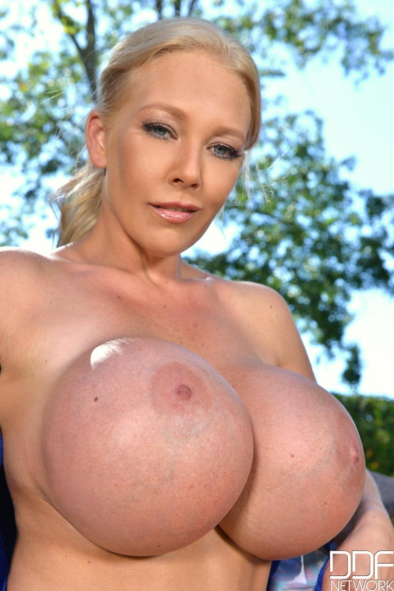 Blonde Milf With Huge Fake Tits-6988