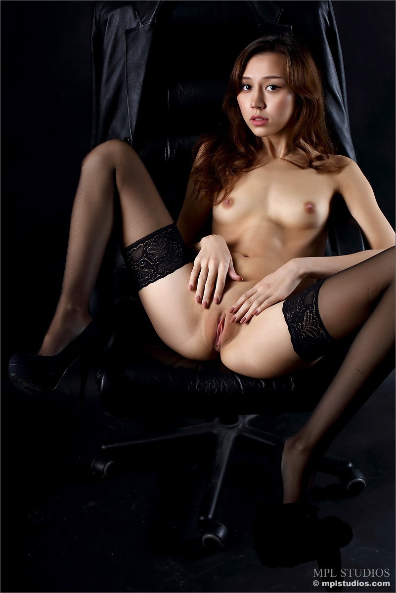 Sakura Teasing In Stockings-9900