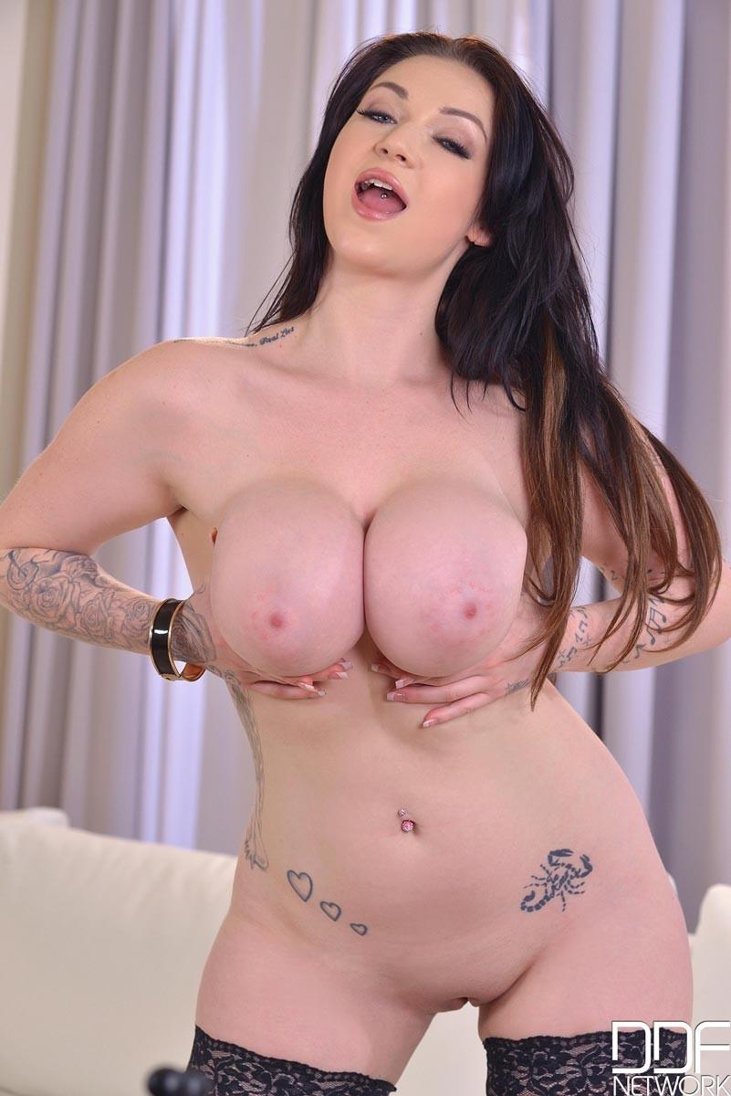 Big Tits Teen Bra
