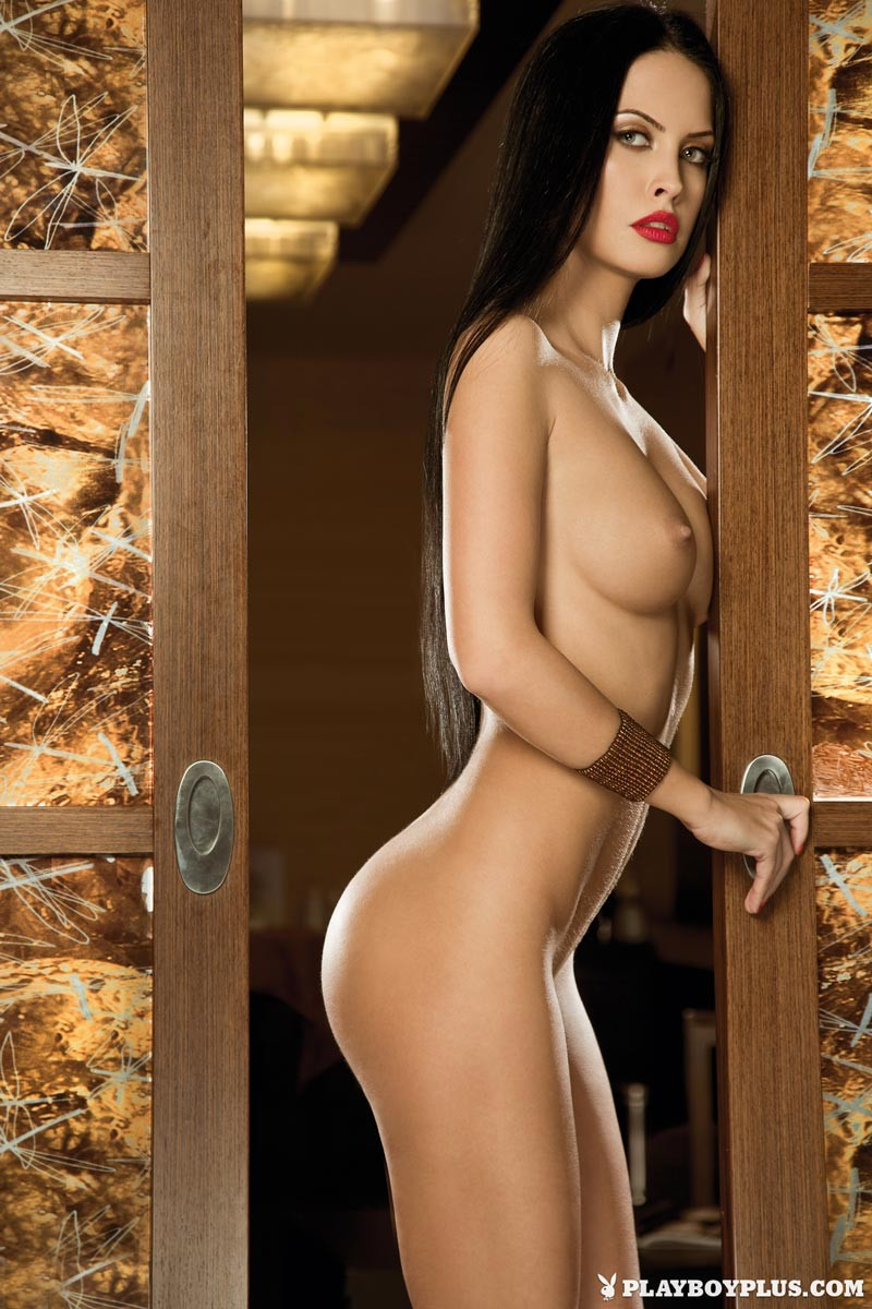 Hot Romanian Model Eleni Corfiate Nude-1114