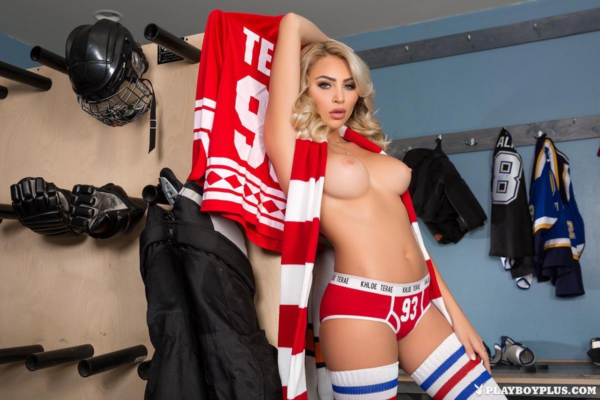 Khloe Tera Loves Hockey-8079