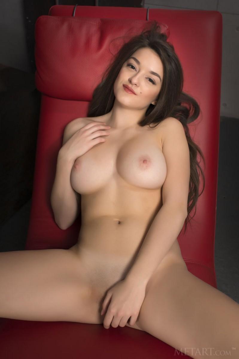 Vanda Mey Shows Lovely Boobs-3050