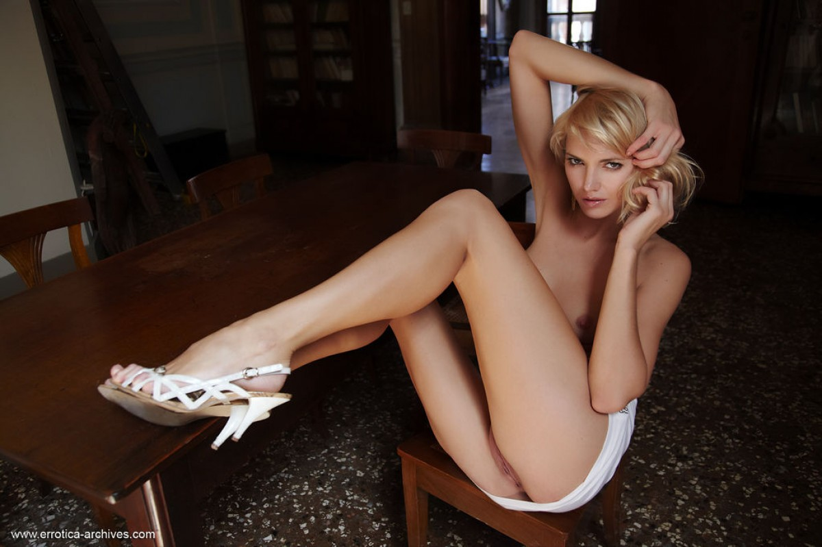 Leggy Blonde Cutie Lilly Exposed