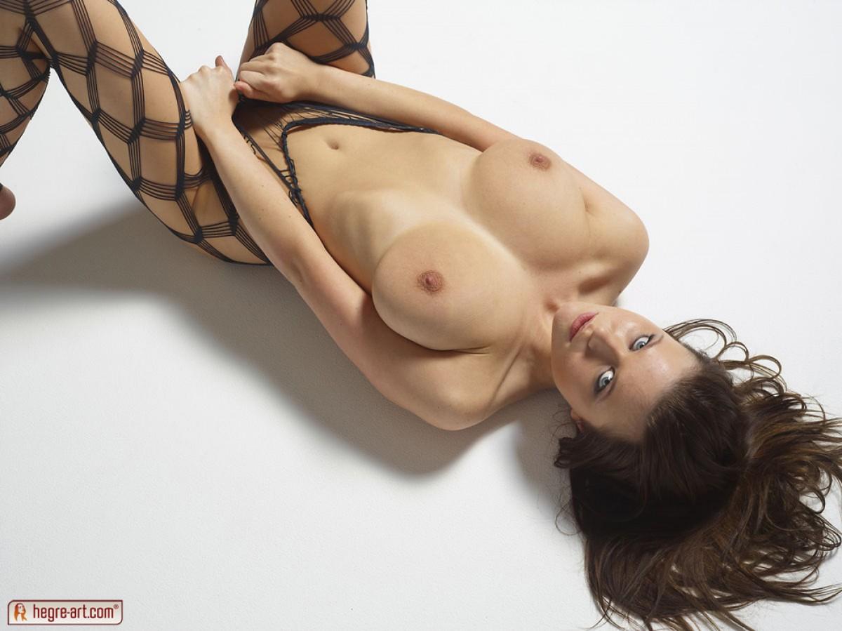 hegreart sexy tits